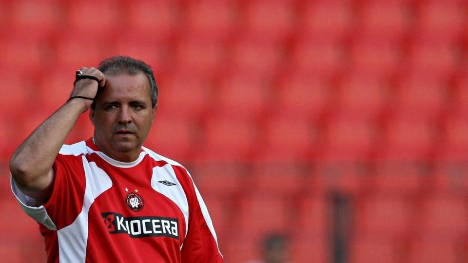 Morre Vadão, técnico decisivo para a nova era do Athletico