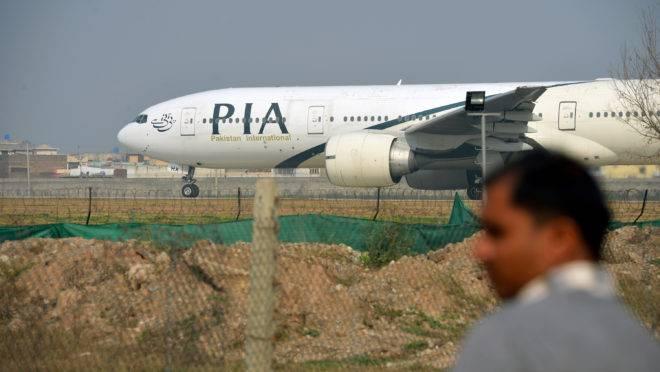 acidente aéreo Paquistão