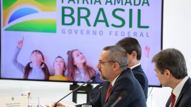 Reunião do presidente Jair Bolsonaro com ministros em 22 de abril de 2020. Segundo o ex-ministro Sergio Moro, vídeo do encontro teria provas de que presidente tentou interferir na Polícia Federal. Na foto, o ministro da Educação, Abraham Weintraub.