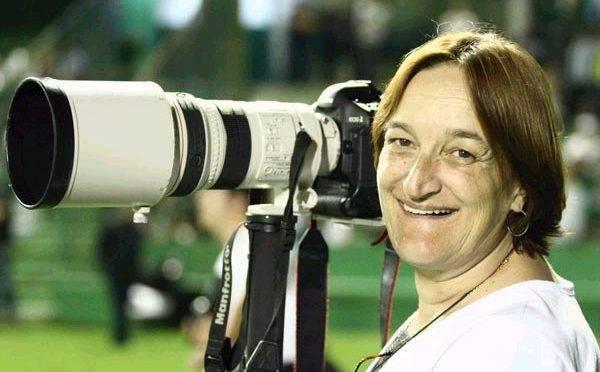 """Maria Francisca Klosienski: a """"rainha"""" mais admirada do futebol paranaense"""