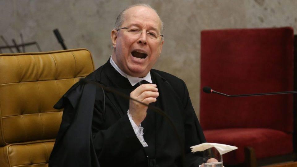 Decano alerta Bolsonaro: descumprir decisão judicial é crime de responsabilidade
