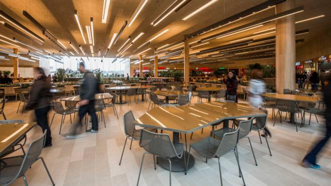 Shopping poderão reabrir em Curitiba, mas aluguel preocupa lojistas.
