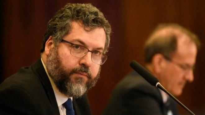 Reunião Ministerial: China foi citada por Ernesto Araújo