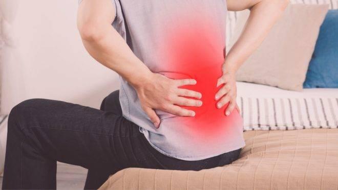 Diagnosticar e tratar de modo errado pode prolongar as dores lombares ou mesmo piorá-las