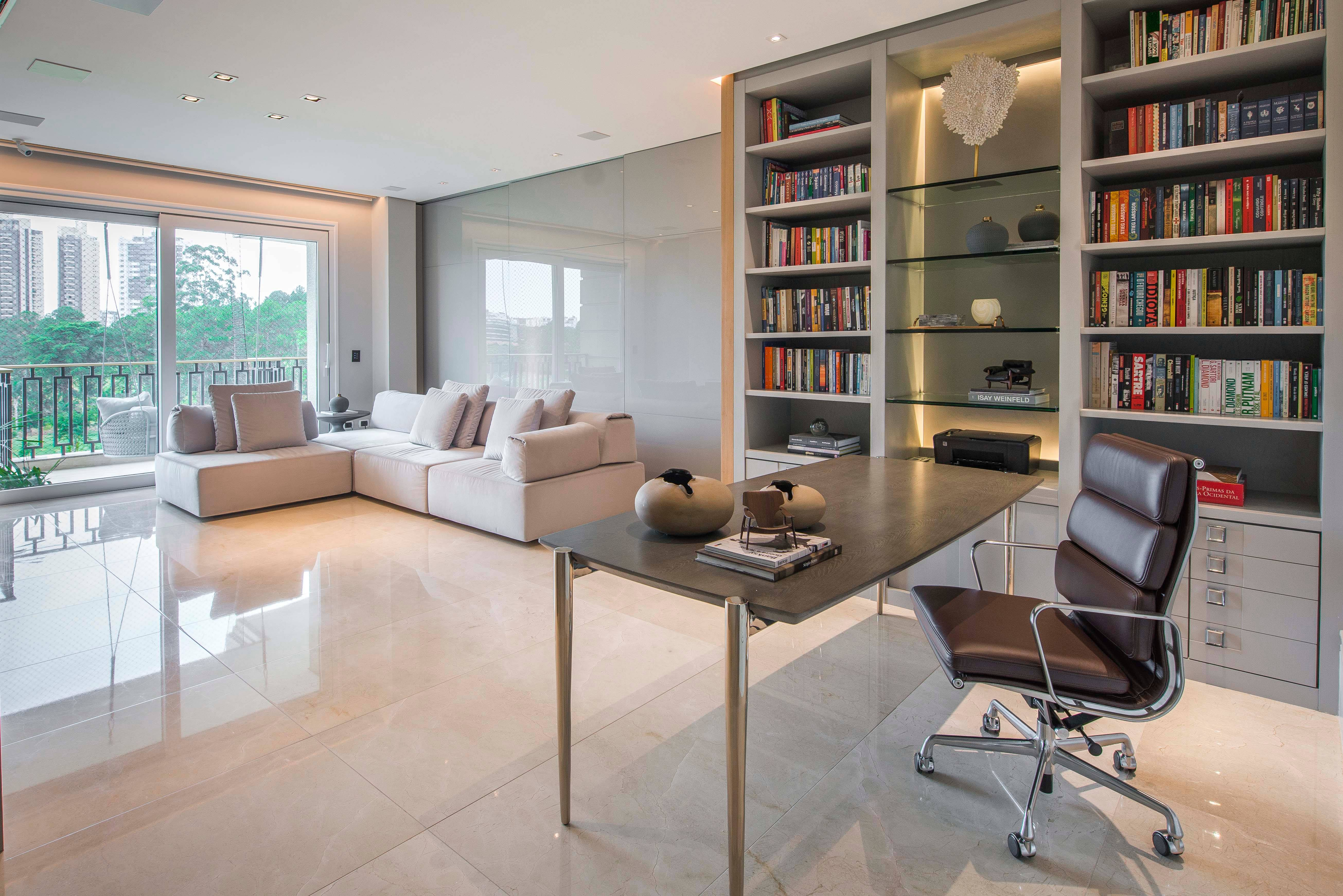 Projeto de apartamento de Curitiba por Sharise Gulin.