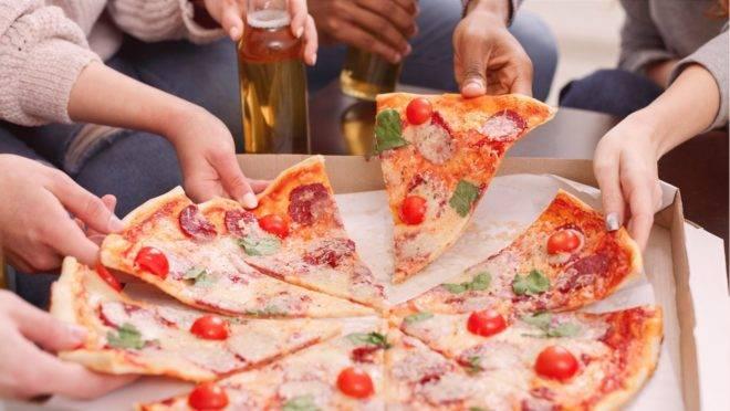 Se a pizza faz parte da rotina alimentar, há como fazer escolhas mais saudáveis no delivery.