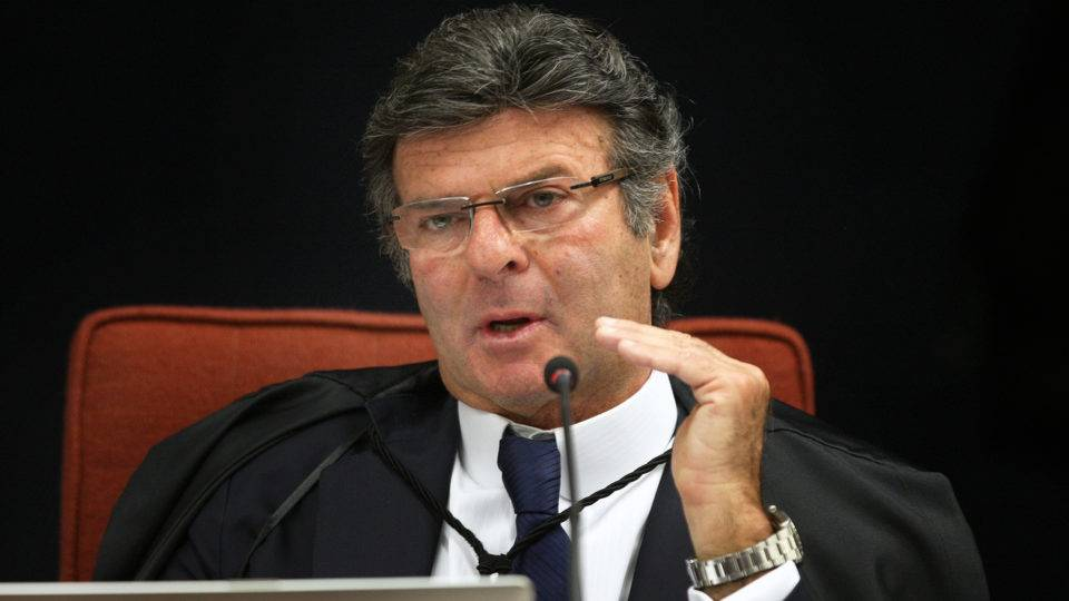 """Fake news desvirtuam ideia de democracia"", diz ministro Fux"