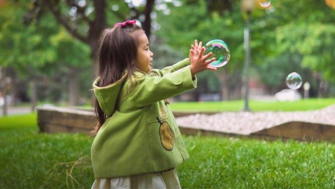 Não se deve subestimar as crianças e achar que elas não entendem o que está acontecendo neste momento de distanciamento social