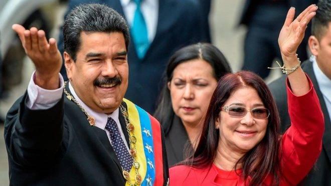 O ditador da Venezuela, Nicolás Maduro, ao lado de sua esposa, Cília Flores, em foto de setembro de 2018