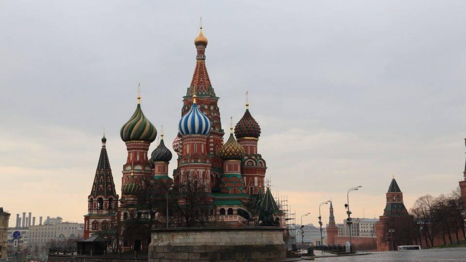 Na Rússia, infectados chegam a 400 mil. Arábia Saudita reabre mesquitas