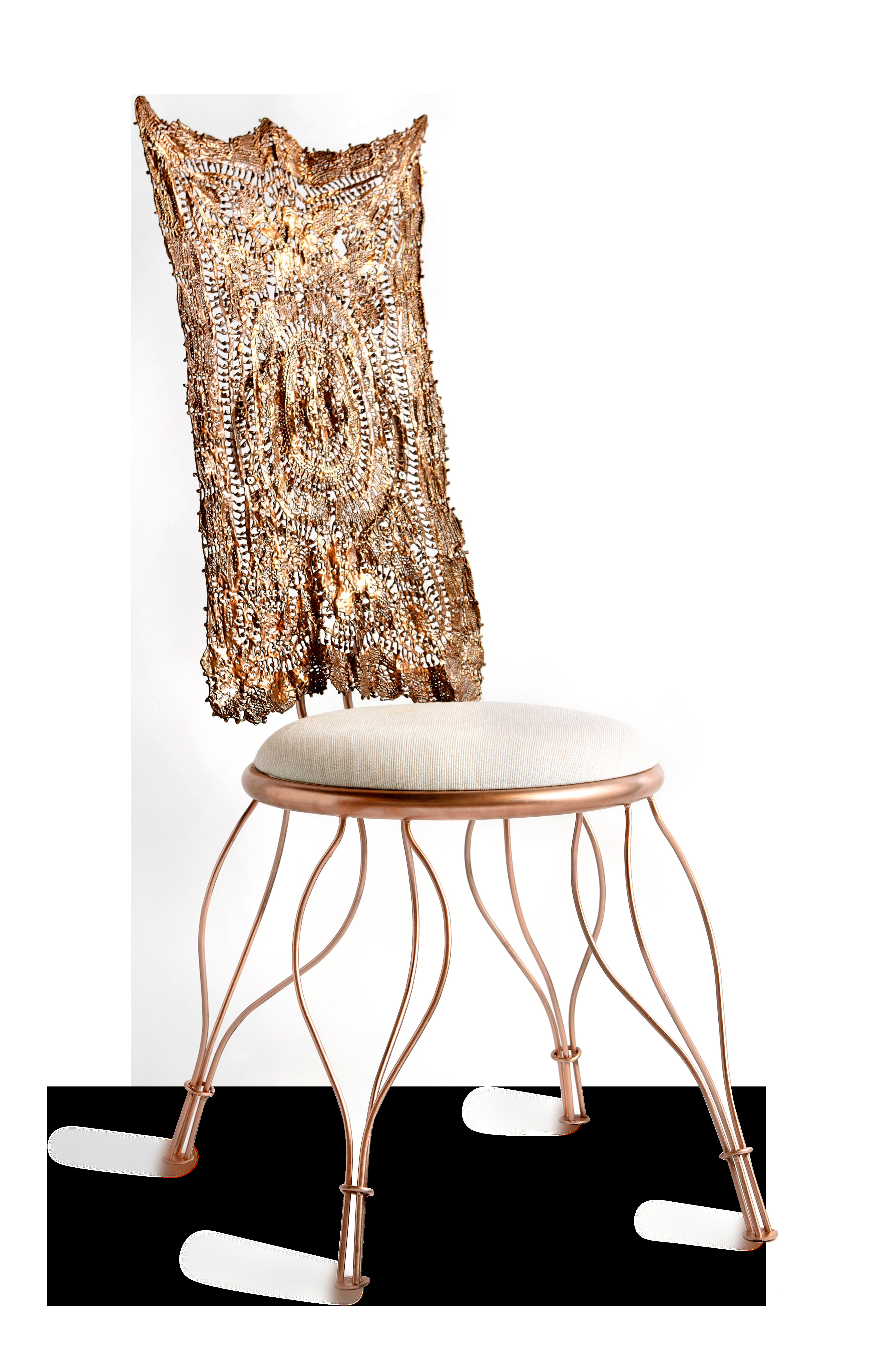 Cadeira Fla, com encosto em renda eternizada em edição limitada. Foto: Divulgação
