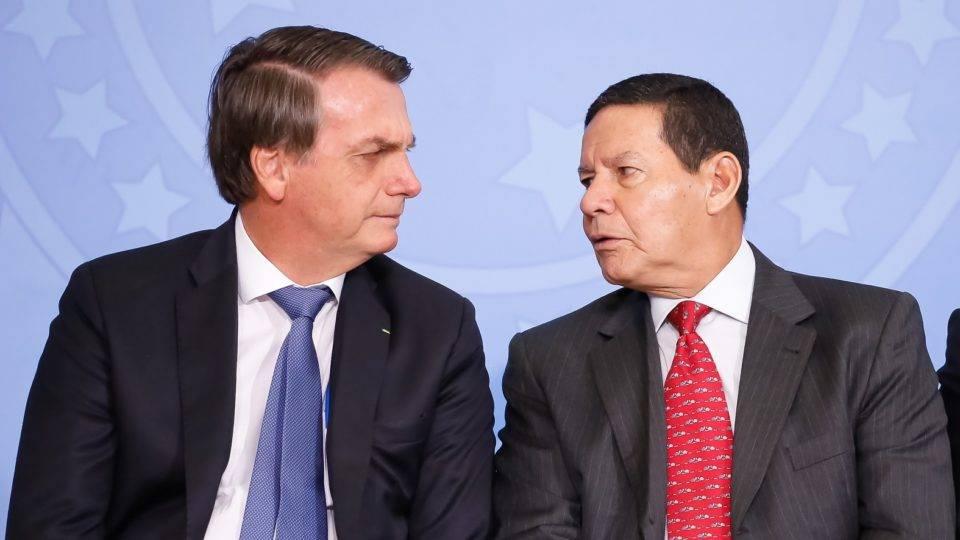 Mourão atribui alta na popularidade de Bolsonaro a auxílio e crédito na pandemia