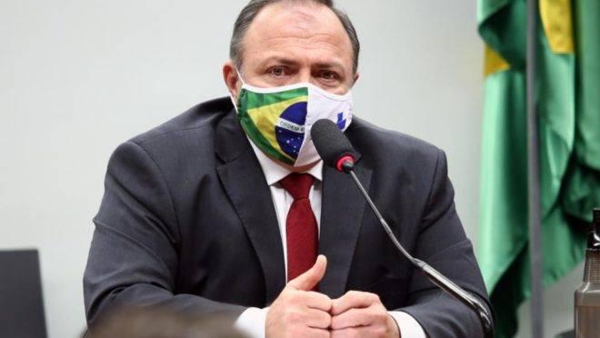O ministro interino da Saúde, Eduardo Pazuello, participou de audiência na Câmara dos Deputados, nesta terça-feira (9).