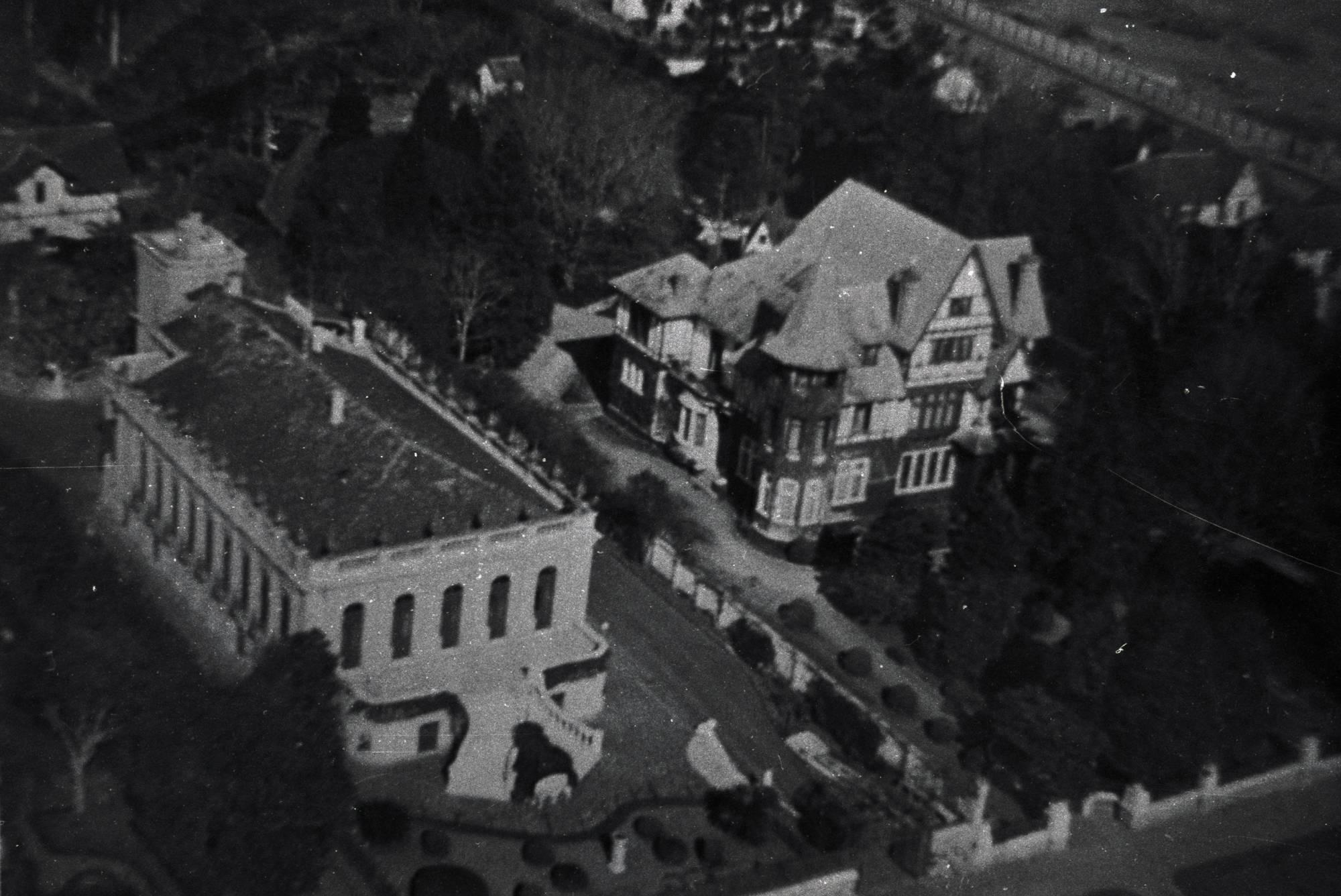 Vista aérea do Palacete dos Leões na década de 30. Tombada como patrimônio histórico, a construção é uma das heranças do período da erva-mate. Foto: Divulgação/ Fundação Cultural de Curitiba