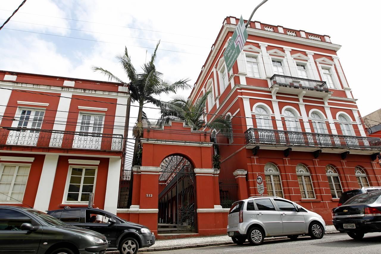 Solar do Barão, residência de Ildefonso Pereira Correia, é um dos exemplares da chamada arquitetura dos ervateiros. Foto: Antonio More/Arquivo Gazeta do Povo