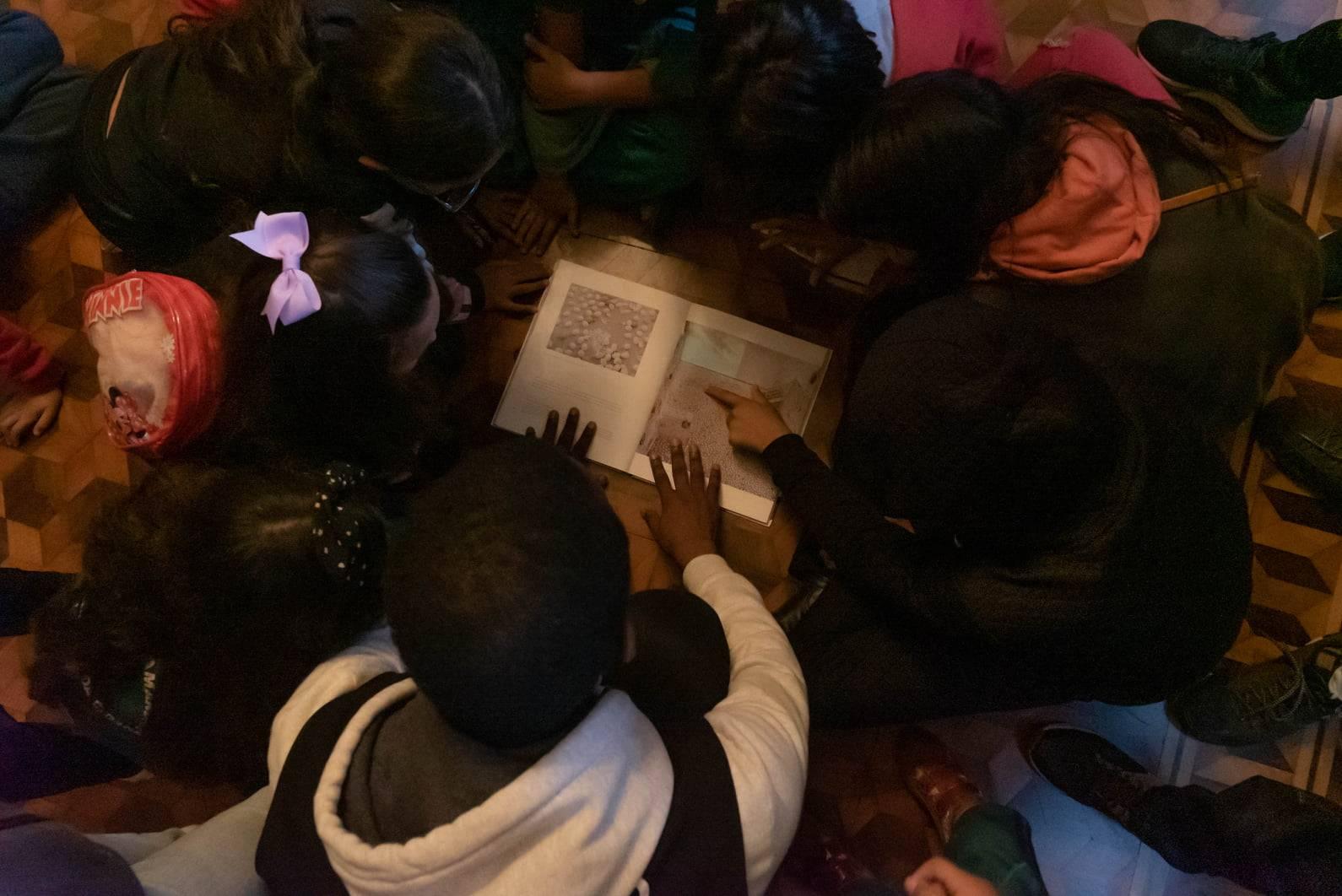 O programa Guritiba também é um exemplo de ação que leva as crianças a visitarem o Palacete Leão Jr.