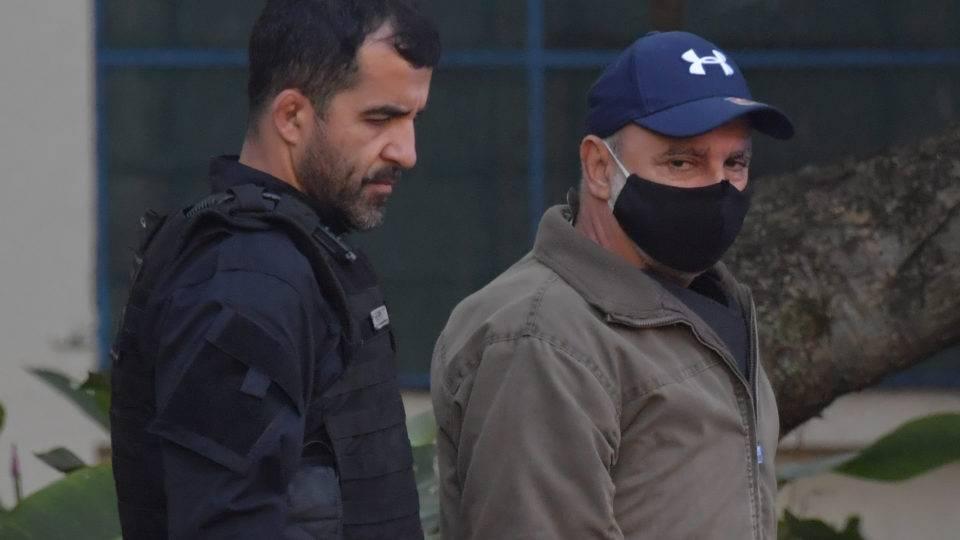 Tribunal de Justiça do Rio expede mandados de prisão de Queiroz e Márcia