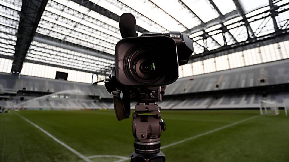 Futebol na TV após a MP assinada por Bolsonaro: o futuro a Deus pertence
