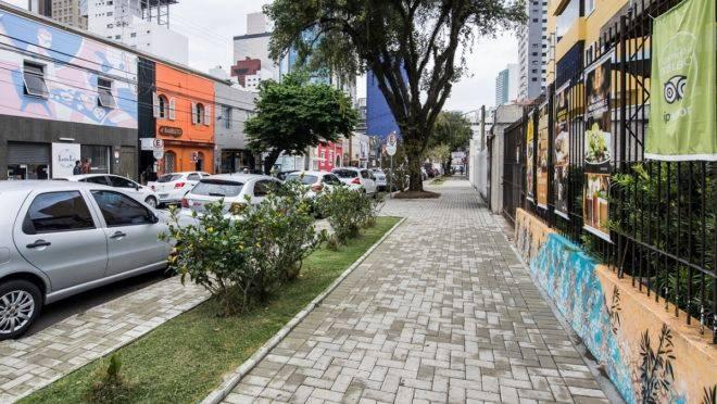 Rua de restaurantes