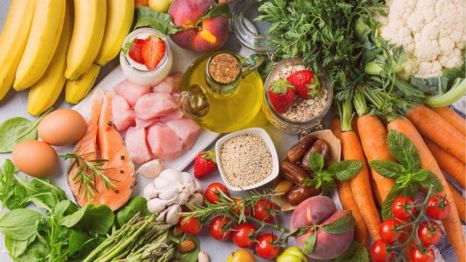 Menos carne vermelha e mais ervas no lugar de sal levam a dieta mediterrânea a prevenir pedras nos rins.