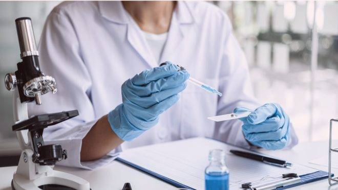 Estudo publicado na revista científica Nature Medicine analisou 37 pacientes infectados sem sintomas