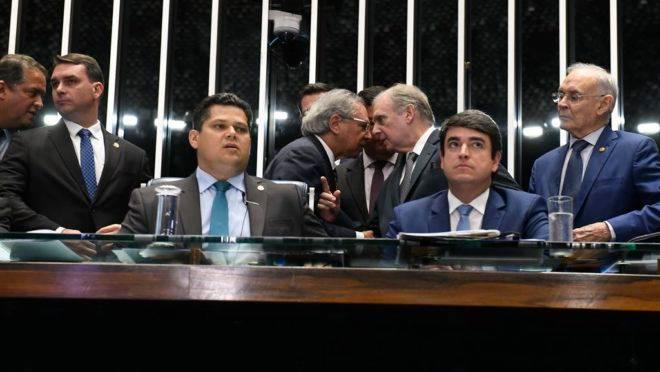 PEC Emergencial deixou de ser prioridade para o Senado, que quer focar na proposta que reformula o Pacto Federativo.