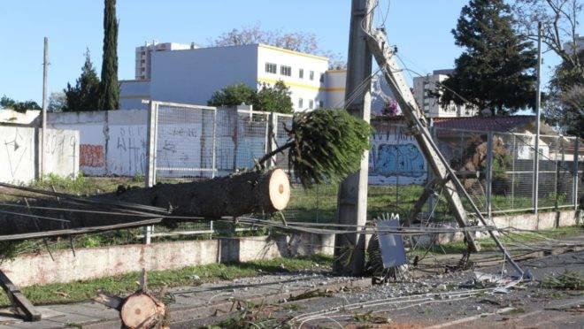 Bairro Água Verde, em Curitiba, foi um dos mais castigados pelo temporal