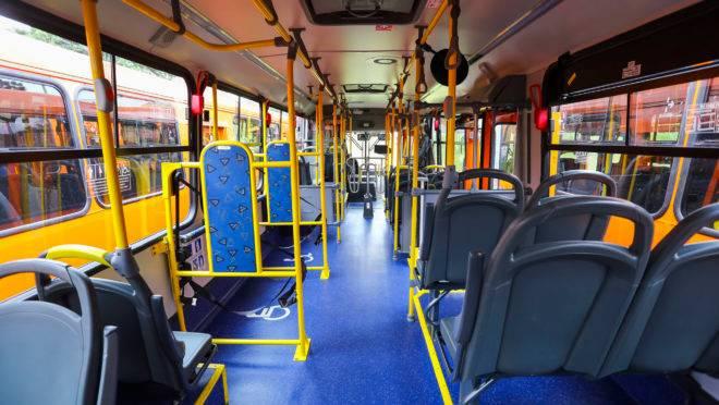 Empresas de ônibus viram o tráfego de passageiros cair drasticamente na pandemia.