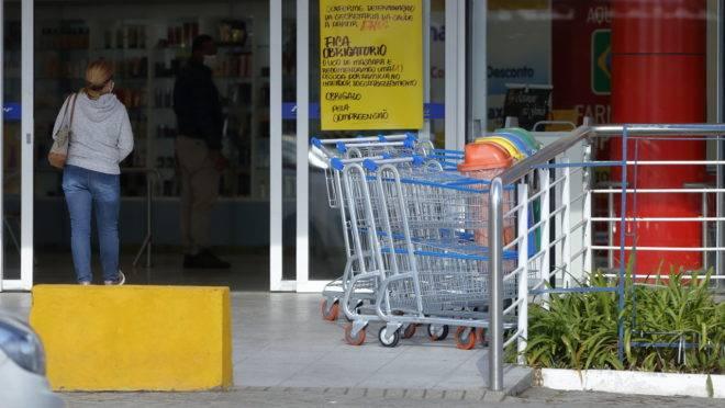 Mercados ficam fechados aos domingos em Curitiba