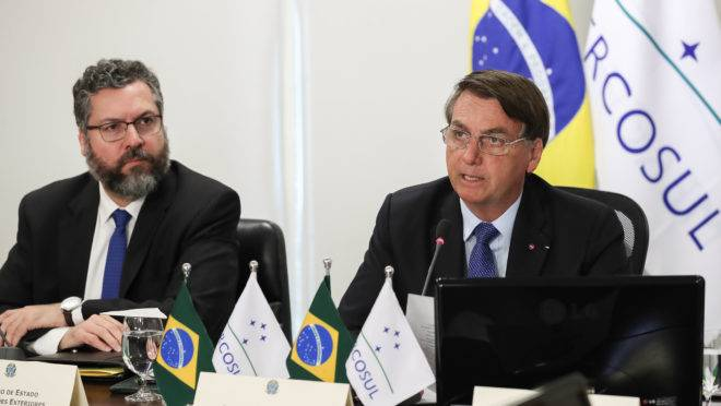 Na cúpula do Mercosul, Bolsonaro tenta desfazer má imagem ambiental do Brasil