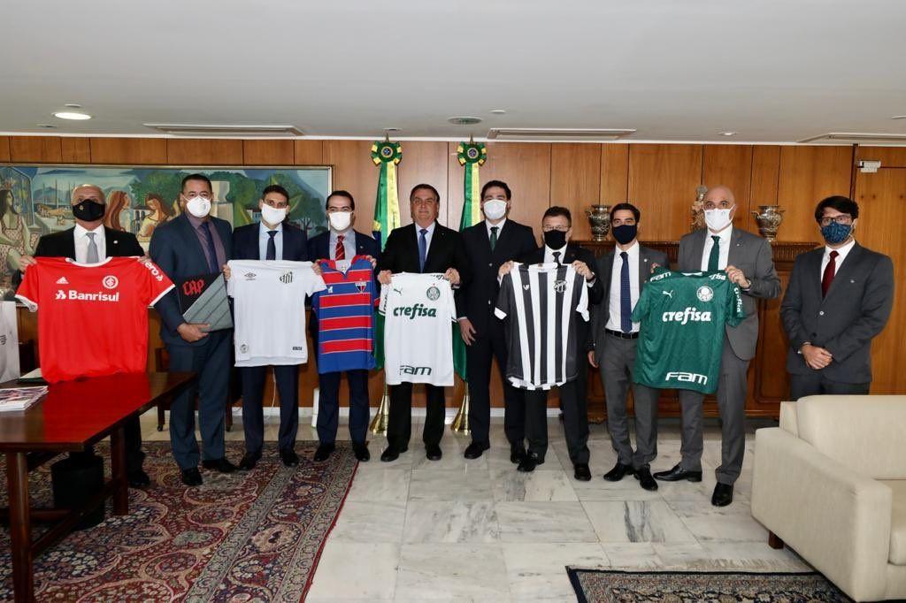 Reunião de oito clubes com o presidente Jair Bolsonaro. Foto: Divulgação, Palácio do Planalto