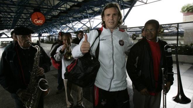 Embarque do Athletico para a decisão no Beira-Rio