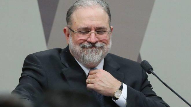 Procurador-geral da República, Augusto Aras, propôs limitar delações premiadas negociadas pela Polícia Federal.