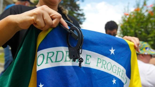 Decisão do ministro Alexandre de Moraes, do STF, que libertou jornalista Oswaldo Eustáquio o impede de exercer sua profissão.