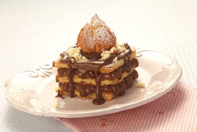 Eclair Cake, o passo a passo da torta desenvolvida exclusivamente para o Bom Gourmet. Foto: Alexandre Mazzo.