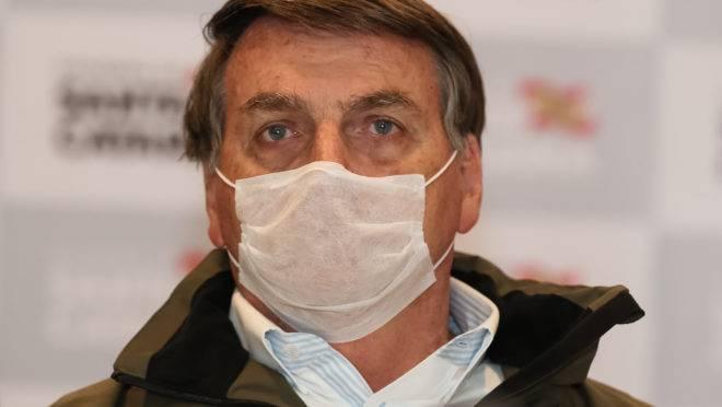Bolsonaro fará novo exame da Covid-19 nesta terça