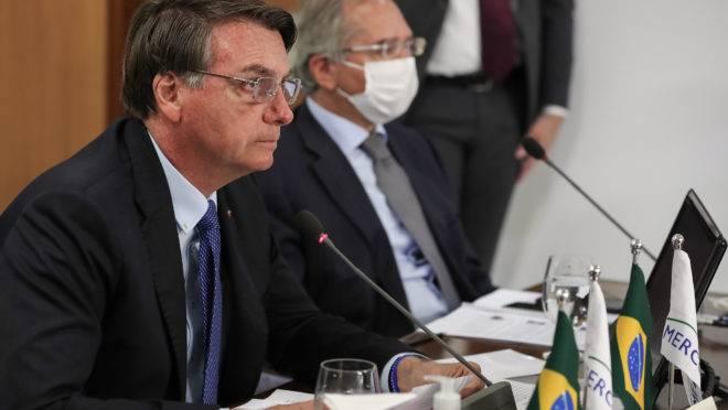 Bolsonaro despachou com o ministro da Economia, Paulo Guedes, nesta segunda-feira (6).