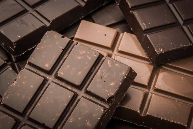 As barras de chocolate da Cuore di Cacao viraram o principal produto. Até então, eram os palets, bombons recheados com validade curta. Foto: Letícia Akemi/Gazeta do Povo