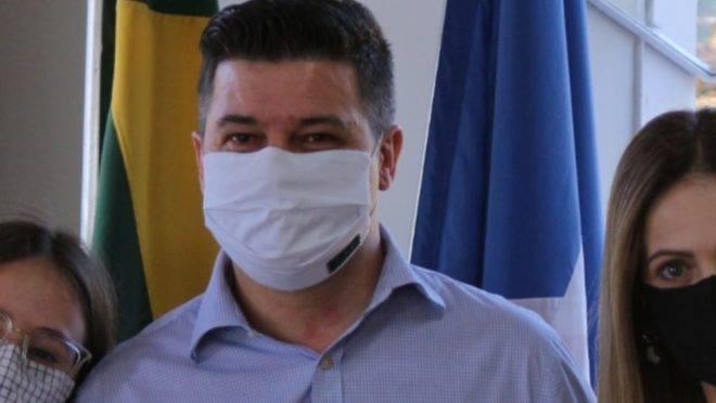 Dr. Dalton, durante cerimônia na Prefeitura de Campo Largo