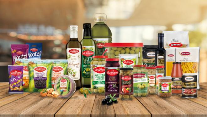 O mix de produtos chega a mais de 250 itens, incluindo conservas e condimentos, massas, molhos, frutas em calda, entre outros.
