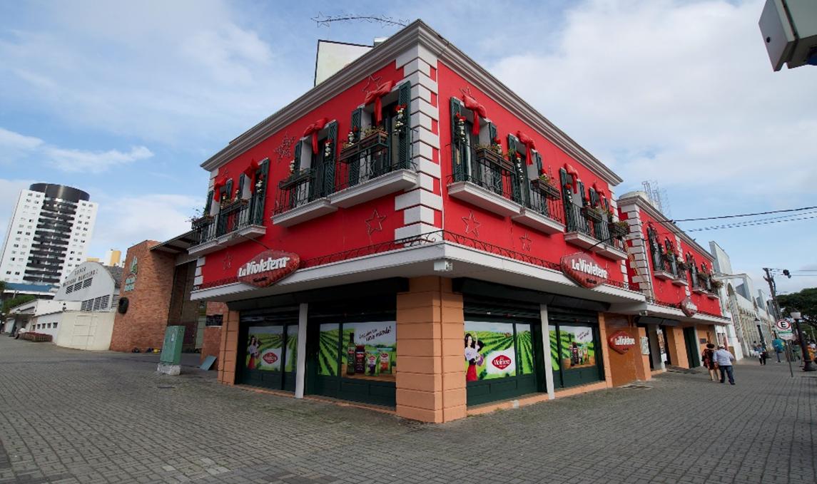 A loja da La Violetera fica na esquina da avenida Sete de Setembro com a General Carneiro. Foto: Divulgação
