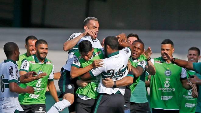 Proibição de abraços na hora do gol faz parte de protocolo para a volta do Paranaense