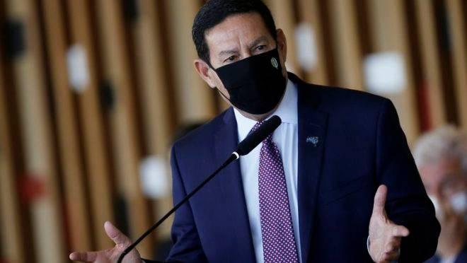 Acordo Mercosul-UE parece que começa a fazer água, diz Mourão
