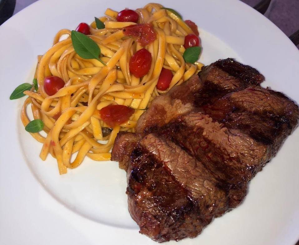 O bife de chorizo é uma das opções de carne do Cabaña Montefusco. Foto: Divulgação