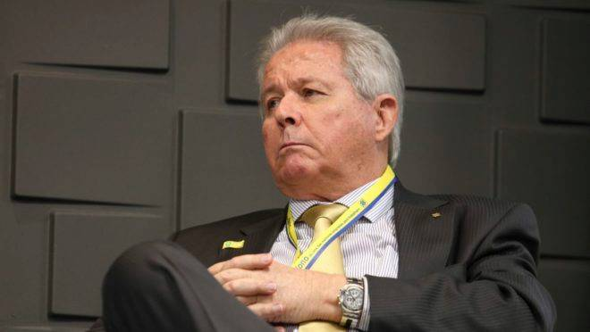 Presidente do Banco do Brasil, Rubem Novaes entregou carta de renúncia ao presidente Jair Bolsonaro e ao ministro Paulo Guedes nesta sexta-feira (24).