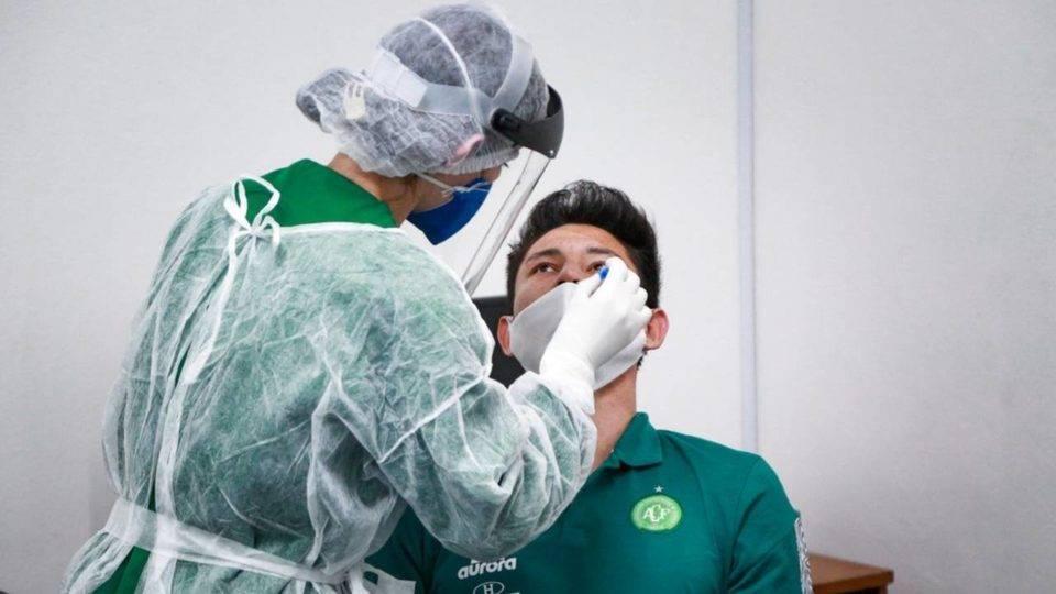 Chapecoense anuncia mais dez casos de Covid-19 e totaliza 26 infectados