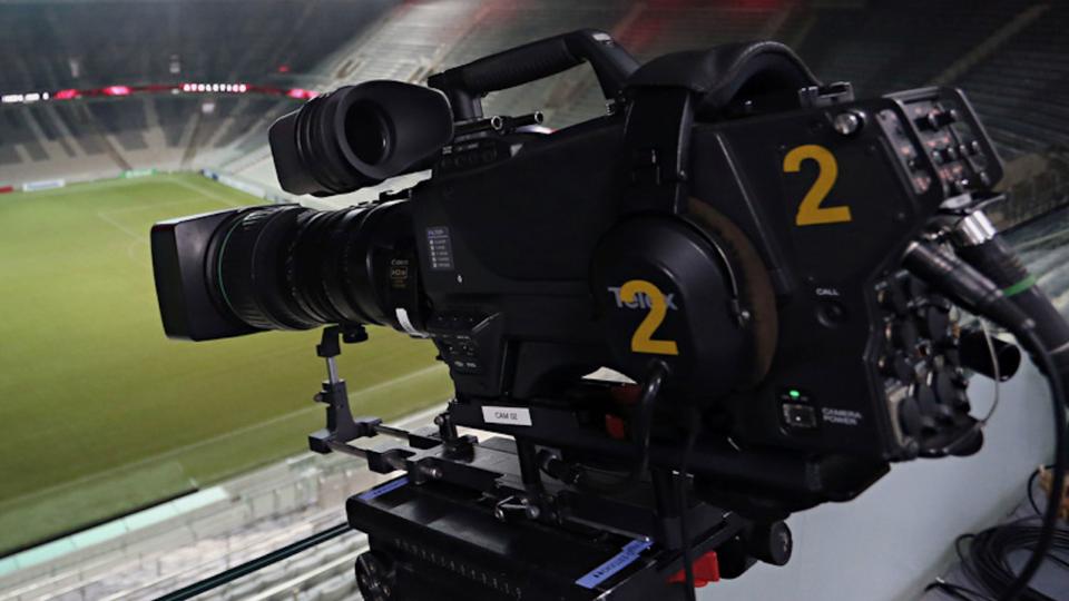 Grupo pró-Petraglia processa Globo e Justiça autoriza Athletico transmitir jogos