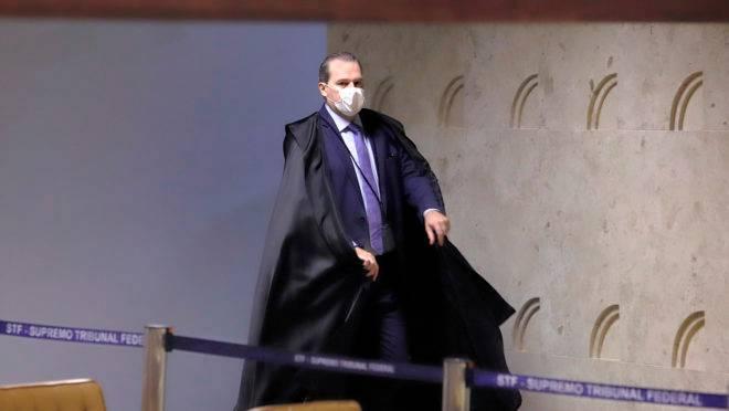 Presidente do STF, Dias Toffoli, expediu liminar que impediu a Polícia Federal de cumprir mandado de busca e apreensão no gabinete do senador José Serra (PSDB-SP).