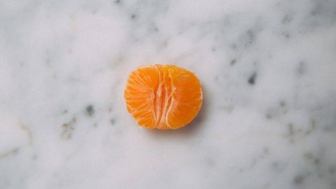 Típica dos meses de frio, as tangerinas têm diferentes variações e são usadas para trazer frescor à gastronomia. Foto: Charlesdeluvio? Unslash