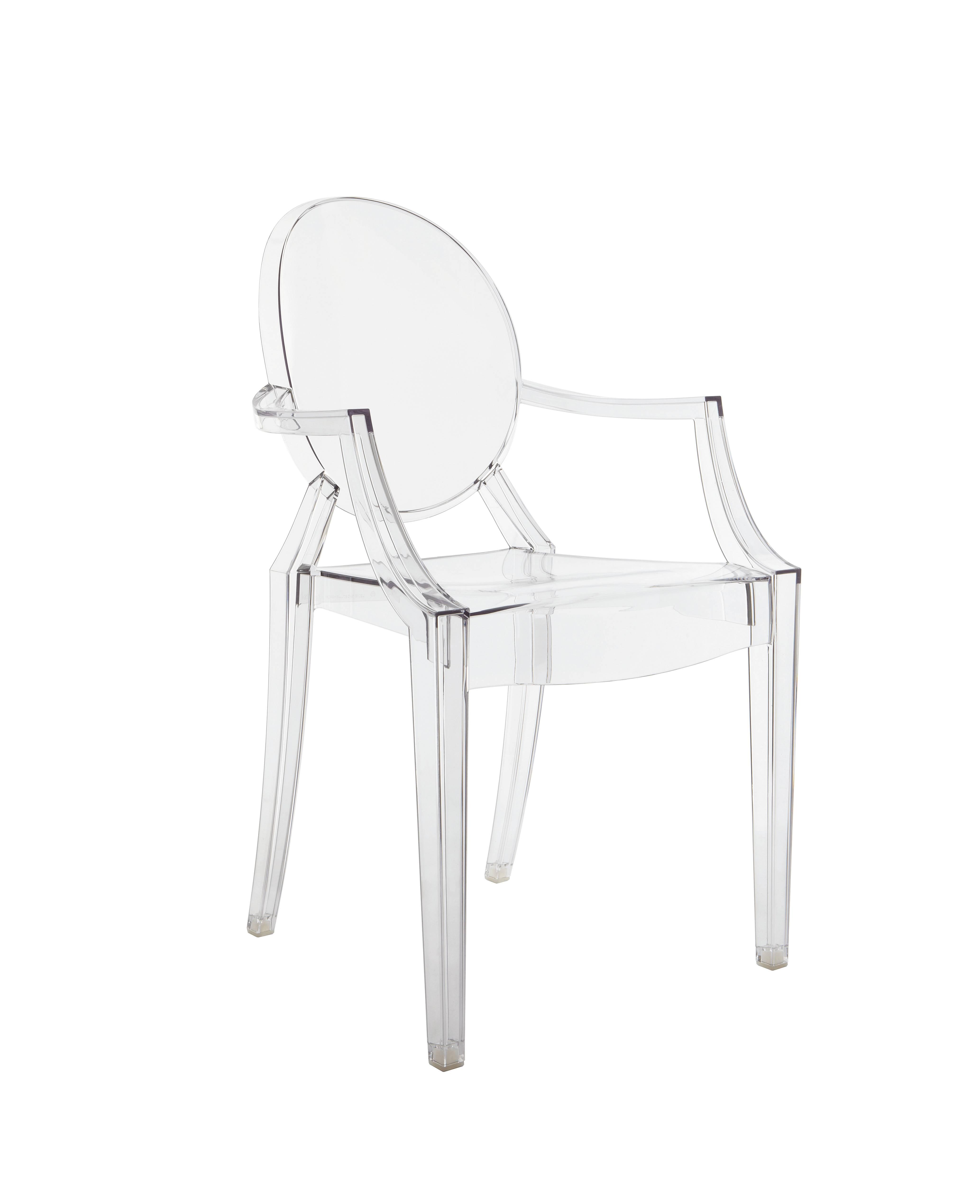 Cadeira Louis Ghost, do designer Philippe Starck, um clássico da marca. Foto: Divulgação